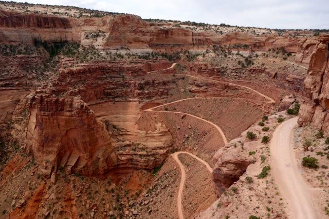 Blick vom Shafer Canyon Overlook auf den Shafer Trail