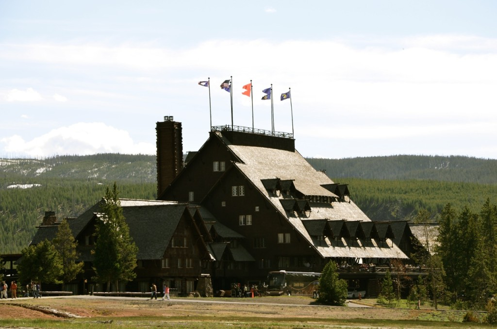 Yellow_Old Faithful Inn